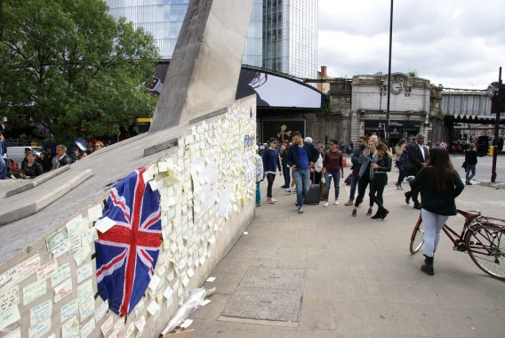 London Bridge memorial messages and Union Jack flag posted after terror attack - credit ChiralJon on Flickr, flickr.com/photos/69057297@N04/